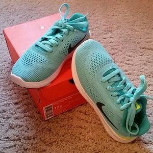 Nike Other - Nike girls sneakers