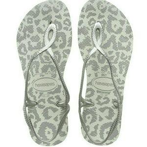 Havaianas Shoes - Havaianas 7/8 W Luna Silver BRAND NEW animal