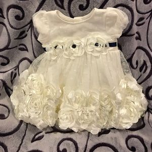 Nanette Baby Other - White Floral Puff Baby Dress