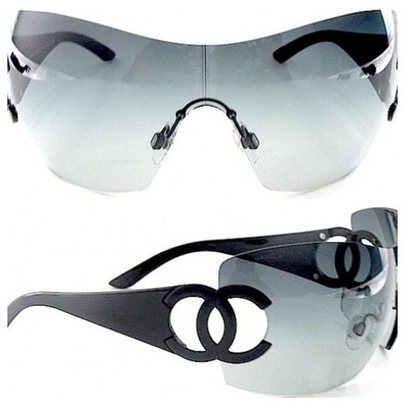 462561734fac CHANEL Accessories - 🌴Host Pick🌴Chanel Large Shield Logo Sunglasses