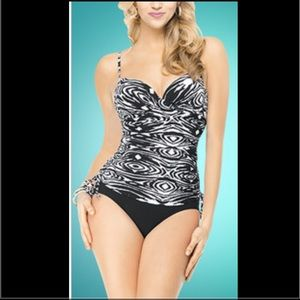 ASSETS by Sara Blakely Other - New Sara Blakely Spanx Bathing Suit Top