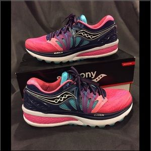 Saucony Shoes - Saucony Hurricane ISO 2 running shoes. 7.5