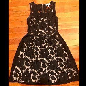 Monteau Dresses & Skirts - Gorgeous lace floral black & ivory dress