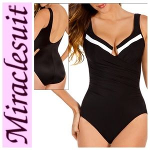 Miraclesuit Other - NWT Miraclesuit CB Escape One Piece Plus Size 20W
