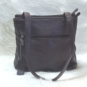 aurielle Handbags - AURIELLE leather bag lots of compartments