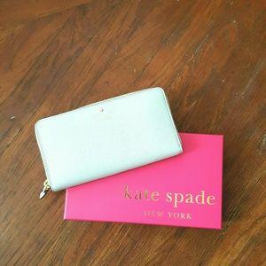 kate spade Handbags - BRAND NEW KATE SPADE WALLET