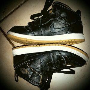 Boys Nike Air Jordans - Black & Gold - Size 10