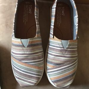 TOMS Other - New with box and tags Toms slip ons