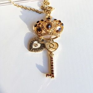 Love Culture Jewelry - Gold Princess Crown Key and heart charm necklace