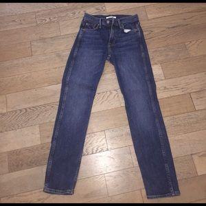 GRLFRND Naomi jeans in size 24