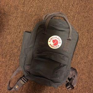 Fjallraven Handbags - Fjallraven Kanken 'mini'