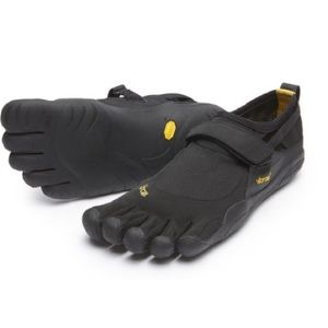 Vibram Other - Vibram five fingers shoe