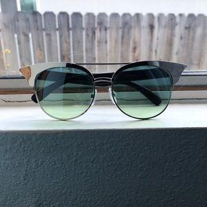 Quay Australia Accessories - Metal Look Quay Sunglasses