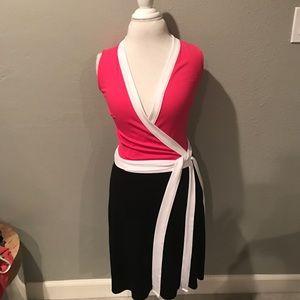 Venus Dresses & Skirts - Venus Color Block Wrap Dress