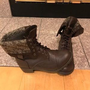 Soda Shoes - Never worn NWOT Dark brown Soda Combat Boots