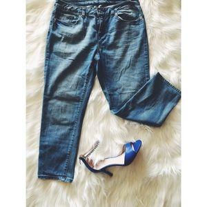 24hrSale❗️Michael Kors Vtg Wash Crop Ankle Jeans 6