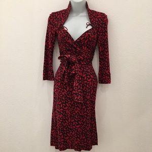 Diane von Furstenberg Dresses & Skirts - Diane von Furstenberg Lips Gildred wrap dress 0