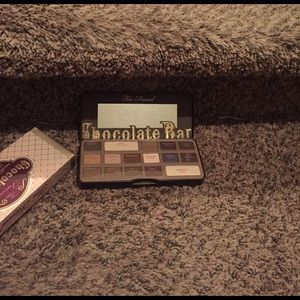 Too Faced Other - Good price it smells really good chocolate smell