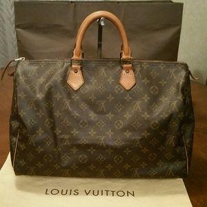 Louis Vuitton Handbags - Louis Vuitton Speedy 40 monogram canvas