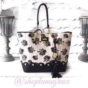 Betsey Johnson Handbags - New🌸 Betsey Bag in a Bag Tote