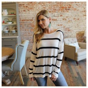 Tops - Ivory and black lightweight knit top