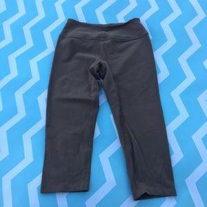 Beyond Yoga Pants - Beyond Yoga brown yoga Capri leggings size small