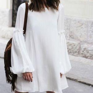 NWOT-zara boho white bell sleeve dress. Size xs