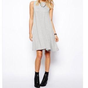 Dresses & Skirts - 🆕 sleeveless swing dress