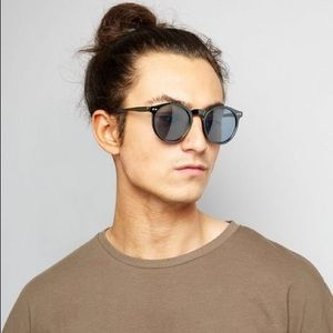 Other - New Look black round sunglasses 😎