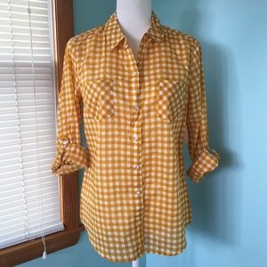 NWT Old Navy Buttoned Down Shirt - M