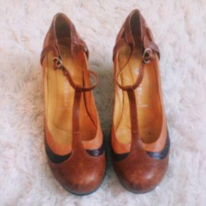 Jeffrey Campbell Shoes - Vintage Jeffrey Campbell t-strap heels ⚡️