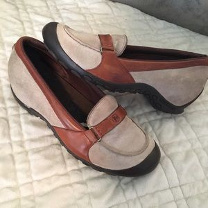 Merrell Shoes - Merrell suede w leather accent flats sz 8.5
