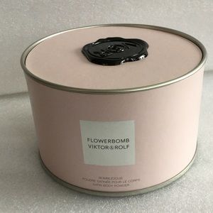 Viktor & Rolf Other - Viktor & Rof Flowerbomb  Body Powder