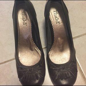 Mudd brown heels
