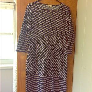 Daniel Cremieux Dresses & Skirts - Modest Cremieux stretch wrap dress