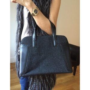 DKNY Handbags - DKNY Leather & Wool Blend Zip HandBag EUC