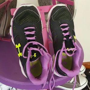 Under Armour  Other - Girl's Under Armour Tennis Shoes
