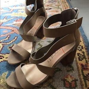 Sole society Sabina block heel sandal.