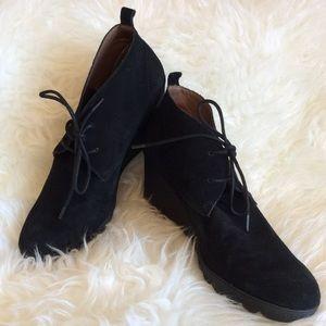 Donald J. Pliner Shoes - Sz 9 M Donald J Pilner black suede wedge boots