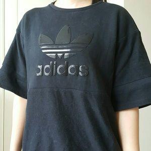 Adidas Tops - Adidas crew neck shirt