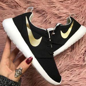 Nike Shoes - NWT Nike ID Roshe black gold swoosh