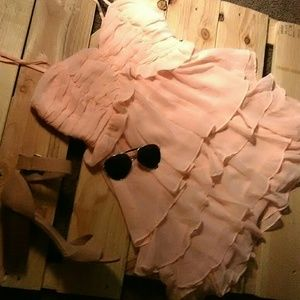 Flying Tomato Dresses & Skirts - 🌵NWOT Pastel Peach Tiered Dress🌵