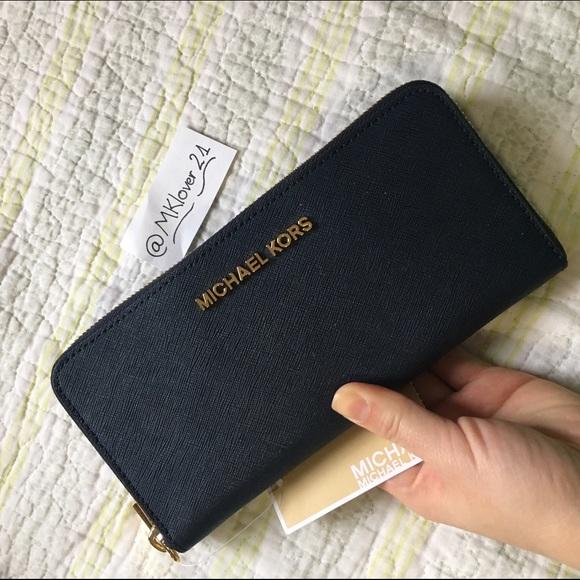 a5ac1872e86a Michael kors continental zip around wallet