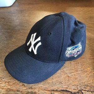 New Era Other - Collectors 2000 Yankees World Series fitted cap