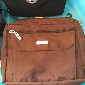 Baggallini Handbags - Baggalini Classic Collection Wander Bag