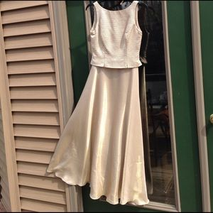 JD Collections Dresses & Skirts - Stunning Vintage Gold Tone Shimmer Evening Gown 4P