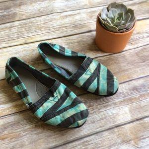 TOMS Shoes - Toms Striped Canvas Shoes size 8.5