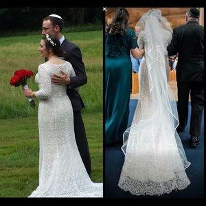 Oleg Cassini Dresses & Skirts - Oleg Cassini Beaded Lace Wedding dress