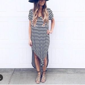 Dresses & Skirts - Oversized Loose fit slit maxi dress stripe