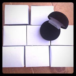 Bundle of 8 velvet ring boxes